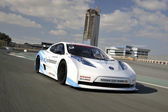 Nissan erfüllt sich mit dem LEAF Nismo RC den Traum vom grünen Motorsport - Foto: Nissan