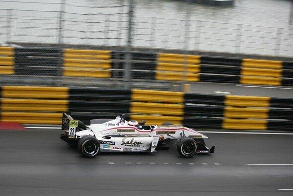 Felix Rosenqvist bescherte Mücke Motorsport zum Jahresabschluss ein Podium