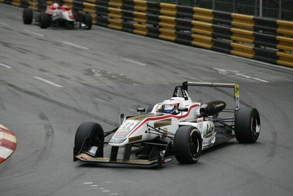 Felix Rosenqvist nimmt den Macau Grand Prix aus der ersten Reihe in Angriff