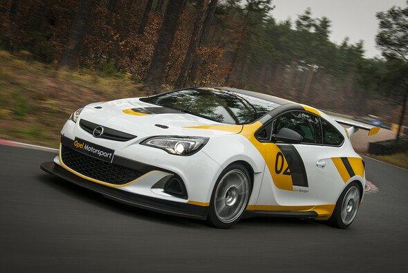 Der Opel Astra OPC Cup mischt 2013 die VLN auf