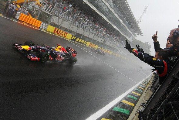 Im Regen von Interlagos fuhr Sebastian Vettel zu Titel Nummer drei