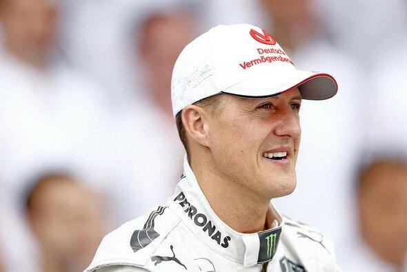 Schumacher befindet sich immer noch in der Aufwachphase - Foto: Mercedes-Benz