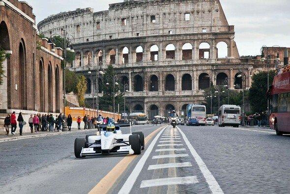 Atemberaubende Kulissen sollen auch wenig Motorsport-affine Fans anziehen - Foto: Formel E