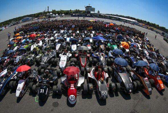Bei der Formula Student Germany 2012 nahmen 109 Teams aus aller Welt teil