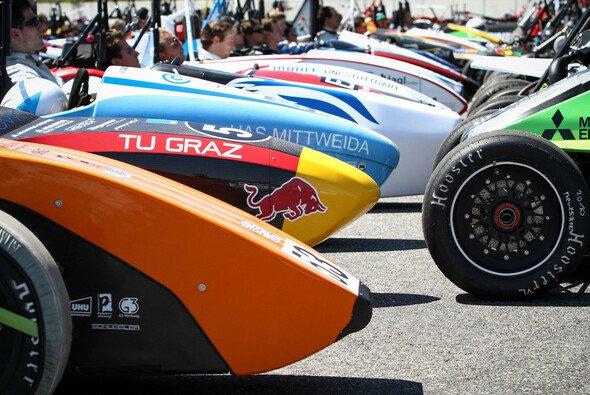 Die Formula Student Teams müssen sich verschiedenen Herausforderungen stellen