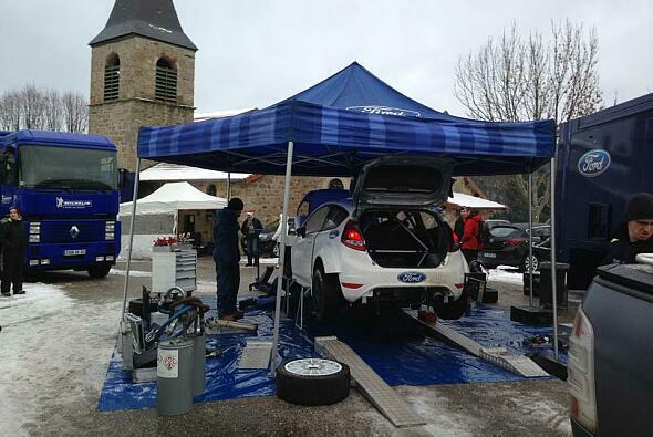 Mads Östberg testet den Ford Fiesta von M-Sport
