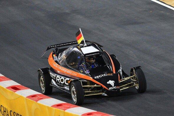 Michael Schumacher muss die deutschen Flaggen jetzt alleine hochhalten