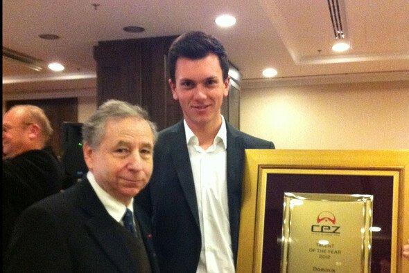 FIA-Präsident Jean Todt ehrt Dominik Baumann