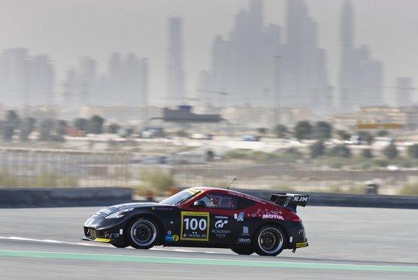 Die GT Academy-Jungs starten in Dubai im 370Z