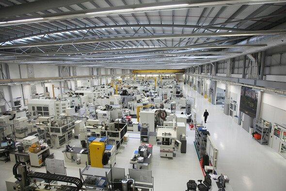 F1-Fabriken müssen weiter geschlossen bleiben - Foto: Mercedes-Benz