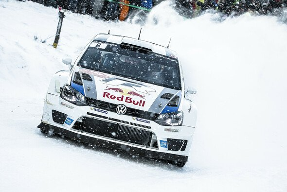 Sebastien Loeb führt bei der zweiten Rallye für Volkswagen - Foto: Red Bull