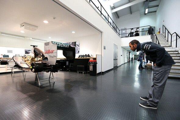 Lewis Hamilton startet ab Dienstag mit Mercedes bei den Tests in Jerez