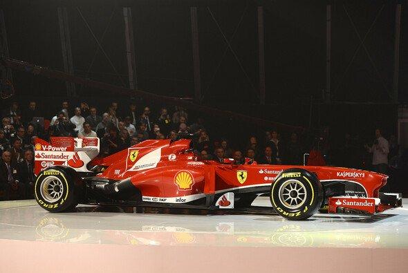 Der neue Ferrari F138 ist auf dem Weg nach Jerez