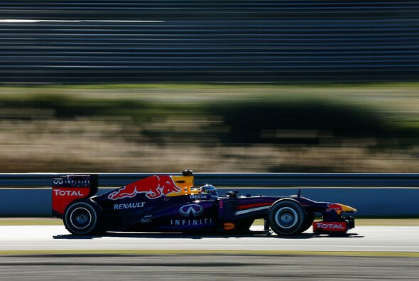 Sebastian Vettel drehte am Donnerstag seine ersten Runden im RB9