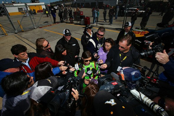 Danica Patrick ist die erste Pole-Frau im Sprint Cup