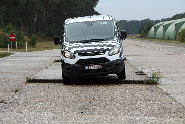 Der neue Ford Transit Custom musste sich einer harten Belastungsprobe unterziehen