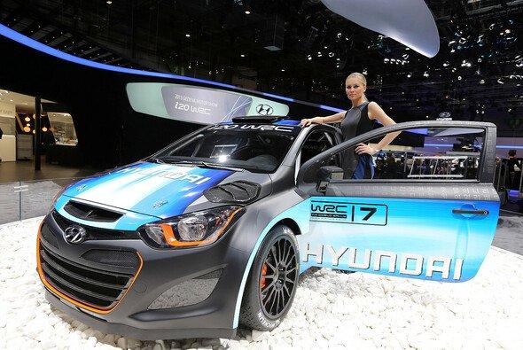 Überarbeitet und frisch lackiert - Hyundais WRC-Auto nimmt Formen an