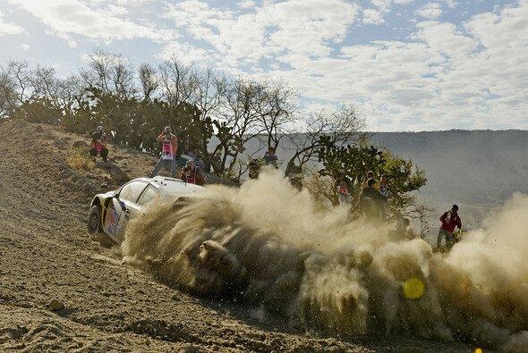 Thierry Neuville hätte nicht damit gerechnet, dass Citroen kaum eine Chance gegen Volkswagen hat - Foto: VW Motorsport