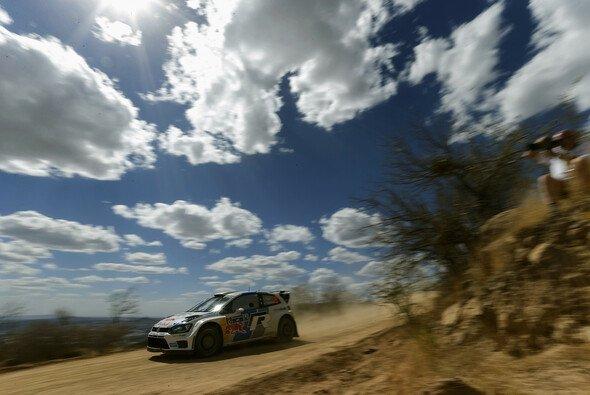 Sebastien Ogier ist nicht zu stoppen - Foto: Volkswagen Motorsport