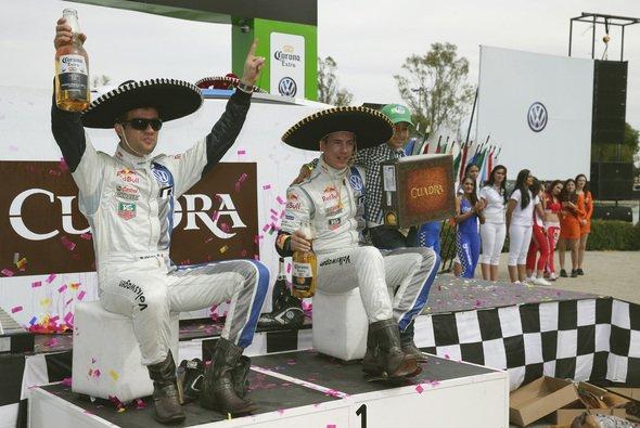 Sebastien Ogier und Beifahrer Julien Ingrassia ließen es krachen - Foto: Volkswagen Motorsport