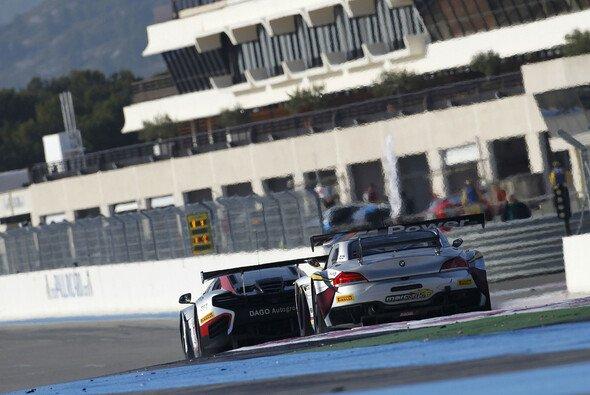 Zwei GT3-Renner während des Le-Castellet-Tests im Jahr 2013