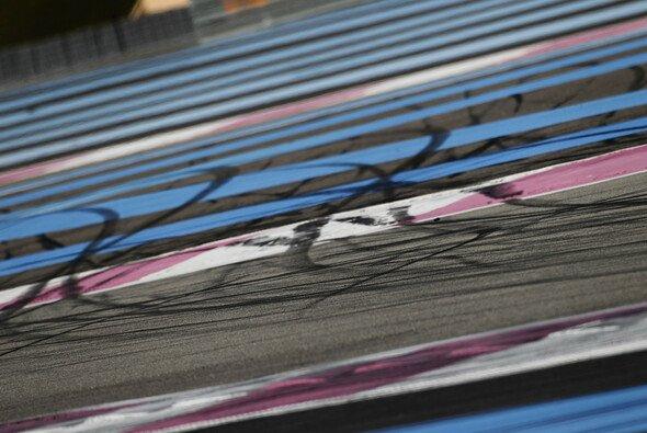Ein dunkler Schatten hängt über dem MotoGP-Rennwochenende in Katar - Foto: VIMAGES/Fabre