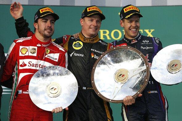 Wer schnappt sich den WM-Pokal? - Foto: Lotus F1 Team