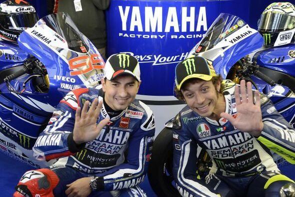 Jorge Lorenzo und Valentino Rossi wollen Honda den Hersteller-Titel entreißen - Foto: Yamaha