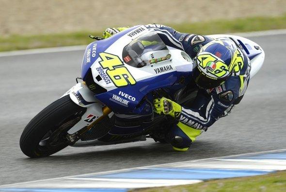 Valentino Rossi will sich mit Jorge Lorenzo beer verstehen als 2010 - Foto: Yamaha Factory Racing Team