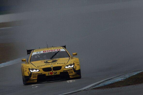 Die Testfahrten in Hockenheim waren durch anhaltenden Regen beeinträchtigt - Foto: BMW