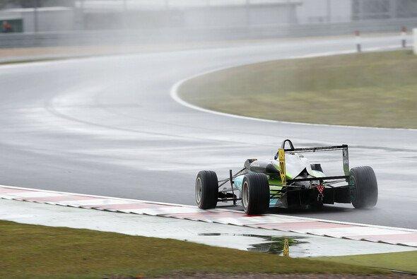 Damon Hills Sohn Josh fuhr sein erstes Podium in der Formel 3 EM ein