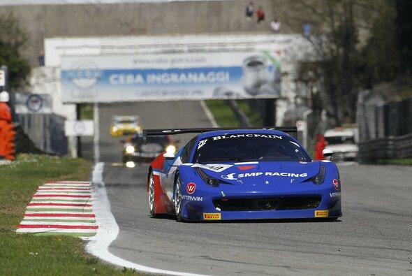 Der Bolide von SMP Racing auf der Piste