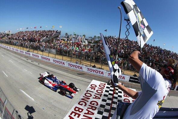 Sato feierte in Long Beach seine ersten Sieg