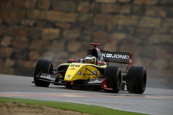 Kevin Magnussen ließ im Motorland Aragon nichts anbrennen - Foto: WS by Renault