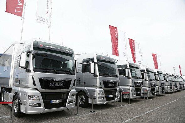 Die DTM Trucks warten auf den nächsten Einsatz