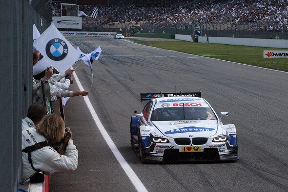 Dirk Werner konnte sein Glück kaum fassen - Foto: BMW AG