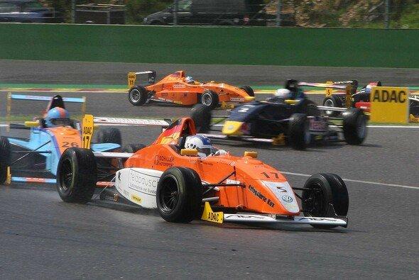 Aelssio Picariello gewann vier der ersten sechs Saisonrennen - Foto: Schiller Motorsport