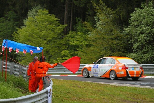Das VLN-Qualifying wurde nach einem Unfall unterbrochen