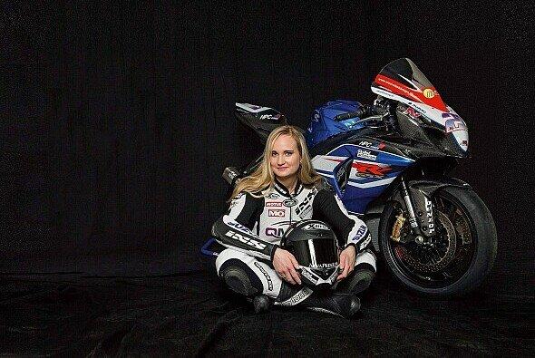 Nina Prinz startet in der Superstock - Foto: IDM