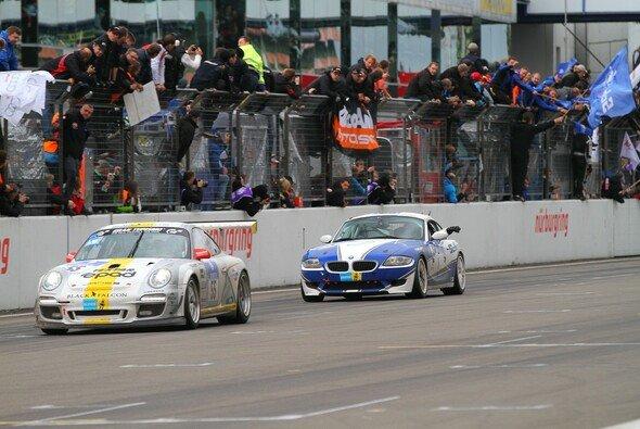 Steve Jans brachte den Porsche auf Gesamtrang 15 ins Ziel - Foto: Patrick Funk