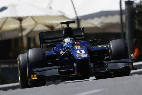 Sam Bird raste am schnellsten durch die Straßenschluchten von Monaco