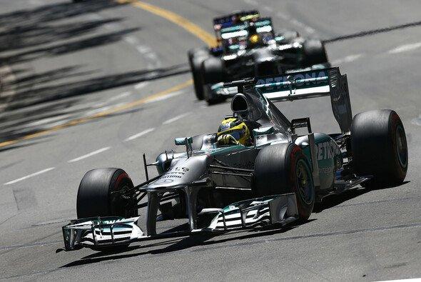 Nico Rosberg zeigte, wie wichtig der Topspeed in Monaco ist... - Foto: Mercedes-Benz