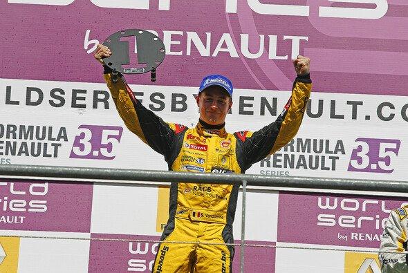 Stoffel Vandoorne folgt dem Champion der Formel Renault 3.5 in die Formel 1