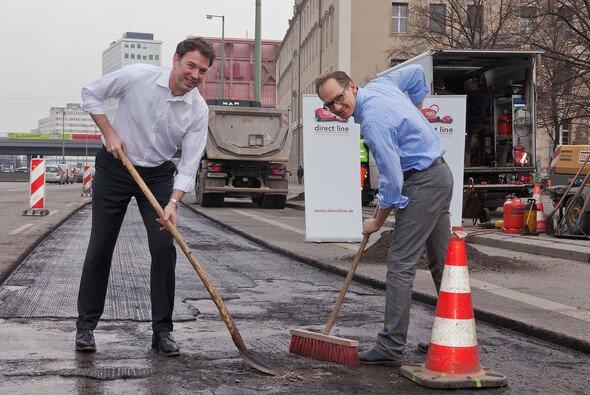 Direct Line sponsert die Reparatur von Schlaglöchern in Berlin