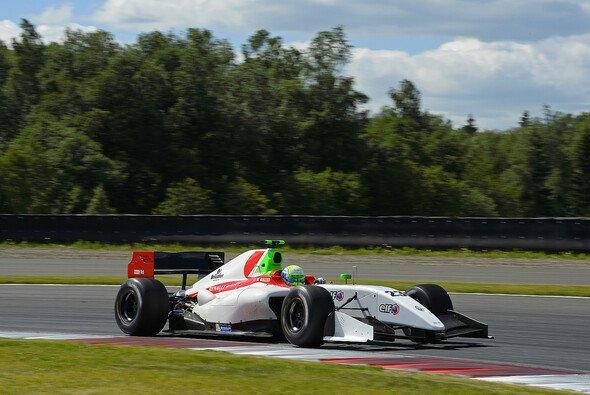 William Buller erhält mit Riccardo Agostini einen neuen Teamgefährten - Foto: WS by Renault
