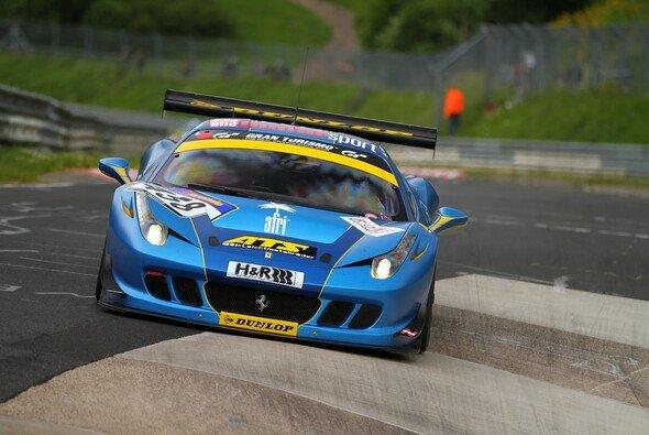Der GT Corse-Ferrari holte sich einen Klassensieg beim dritten Lauf