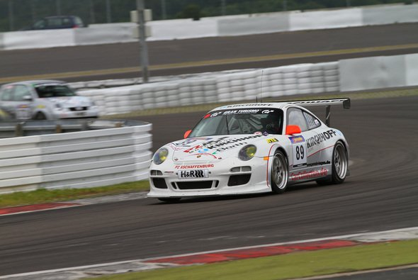 PoLe Racing errang unter traurigen Umständen ein solides Ergebnis