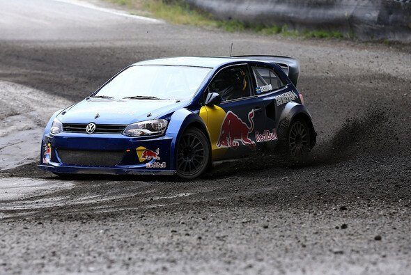 Mattias Ekström im Rallye-Polo auf der Piste