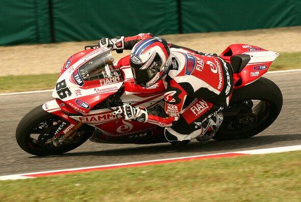 Ayrton Badovini war mit seiner Samstagsleistung zufrieden - Foto: Ducati Alstare