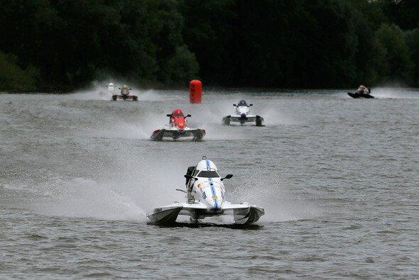 Kim Lauscher und Kevin Köpcke kämpfen um den Titel - Foto: ADAC Motorboot Cup